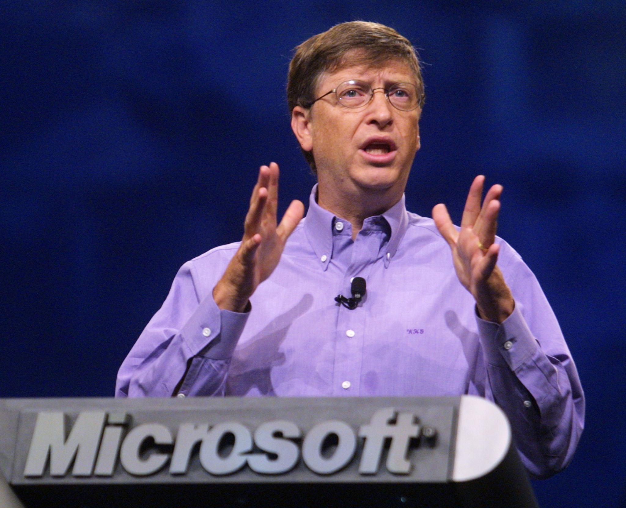 Билл Гейтс раскритиковал компанию Microsoft за отставание от Apple и Google