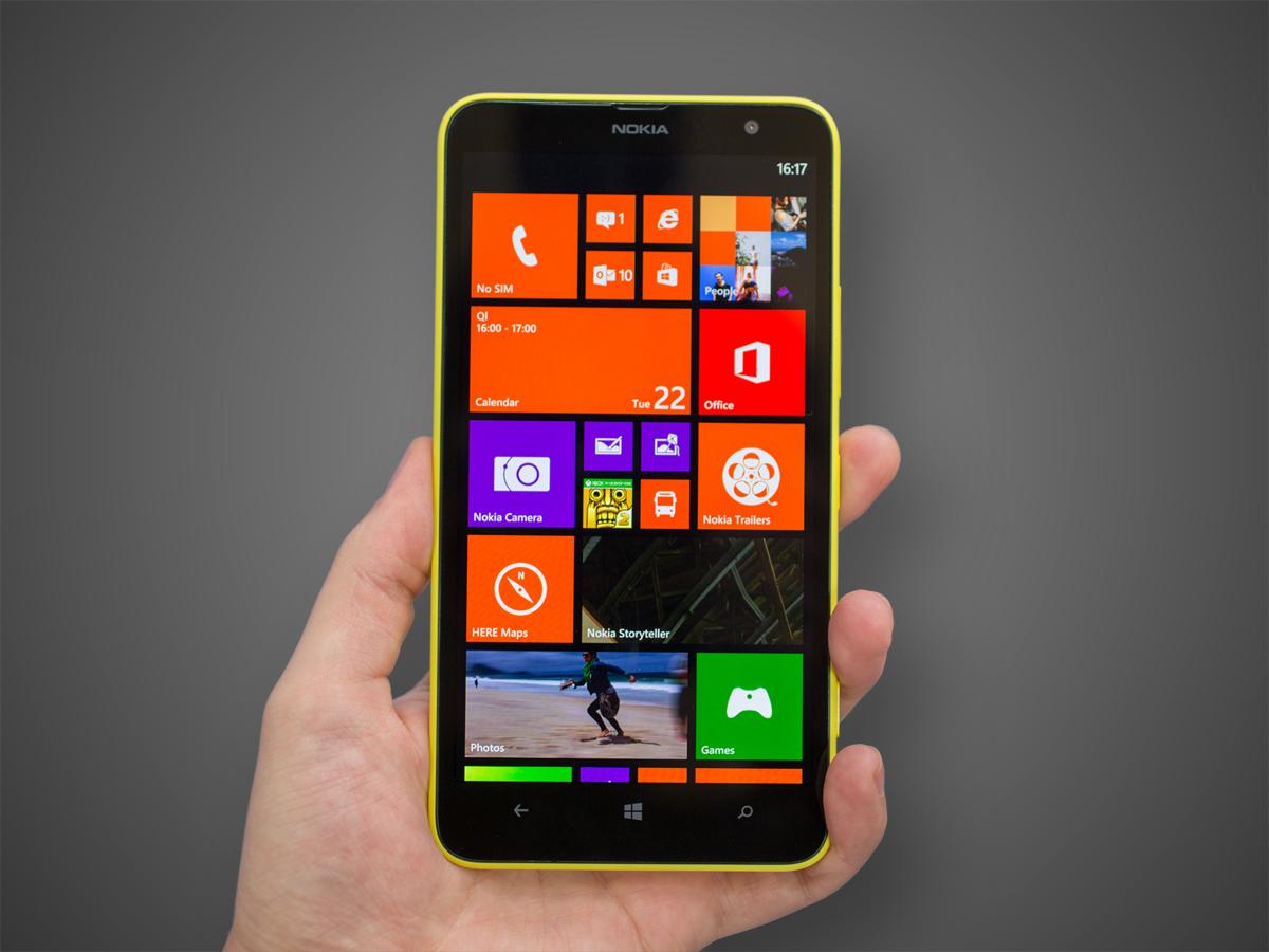 Новый смартфон с большим дисплеем Nokia Lumia 1320 поступил в продажу в России